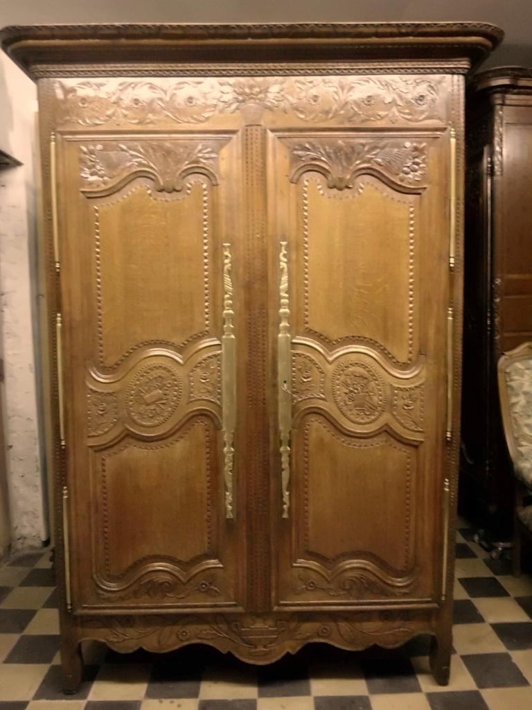 antique passion vous propose une magnifique armoire normande. Black Bedroom Furniture Sets. Home Design Ideas